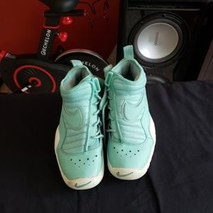 Nike shoes size 5.5y